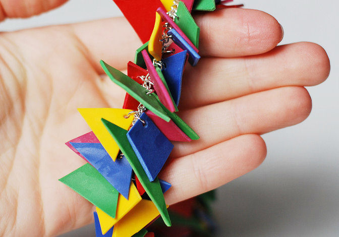 geometric-shape-necklace-detail
