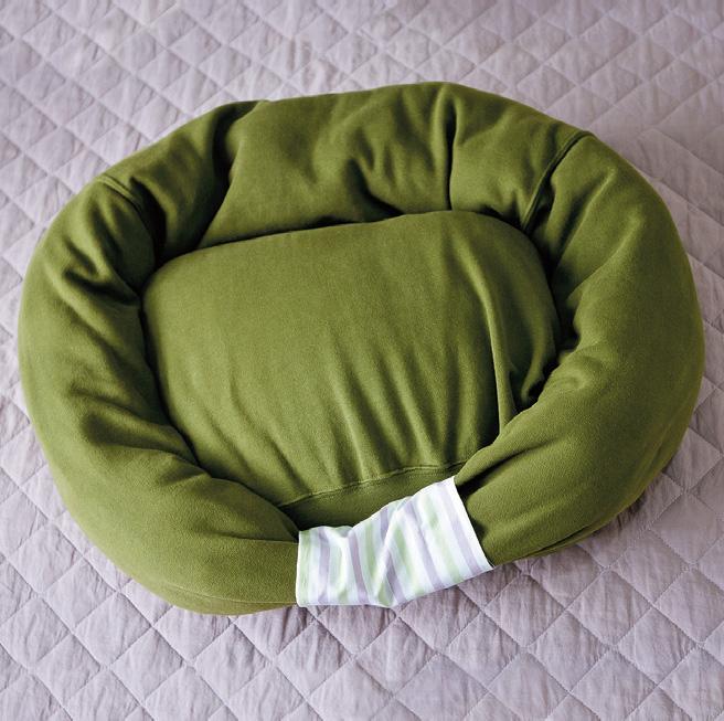 sweatshirt-pet-bed10